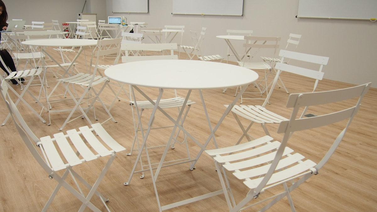 エウレカ eureka テーブルとイス
